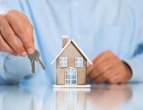 Le marché de l'habitation continue de se modérer en mai